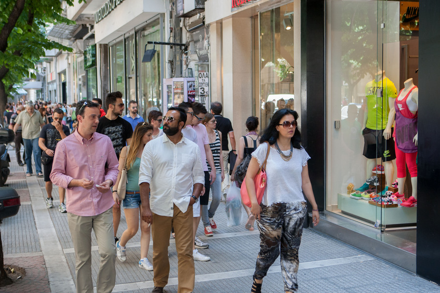 Μείωση των πωλήσεων στο λιανικό εμπόριο τον φετινό Ιούνιο