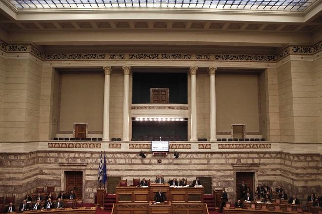 «Εύθραυστη» και «ρευστή» η κατάσταση της ελληνικής οικονομίας