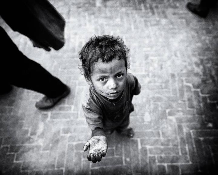 Πρωταθλήτρια η Ελλάδα στην αύξηση της παιδικής φτώχειας