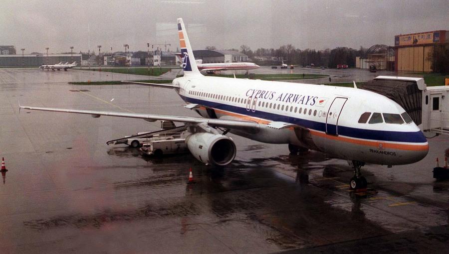 Νέα προθεσμία υποβολής προτάσεων για τις Κυπριακές Αερογραμμές