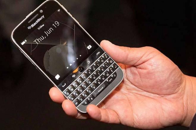 Ένα «κλασσικό» Blackberry για τους φανατικούς οπαδούς του