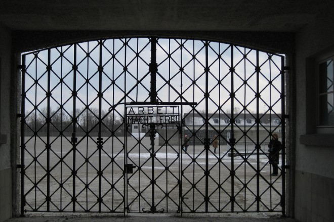 Εκλάπη η κεντρική πύλη του στρατοπέδου συγκέντρωσης του Νταχάου