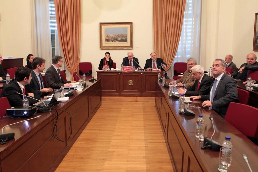 Πολιτικές αντιδράσεις έφερε η τροπολογία για τα «κόκκινα» δάνεια