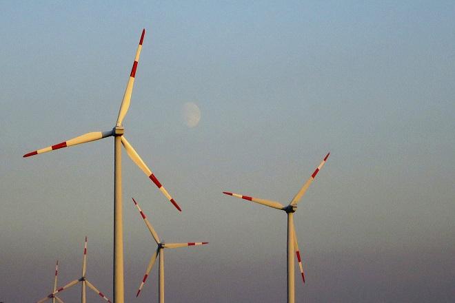 Με μειωμένη «ταχύτητα» οι επενδύσεις στις Ανανεώσιμες Πηγές Ενέργειας