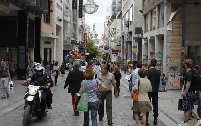 Λιγότερο απαισιόδοξοι από πέρυσι οι Έλληνες καταναλωτές