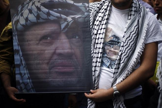 Παλαιστινιακός «εμφύλιος» στα δέκα χρόνια από τον θάνατο του Γιάσερ Αραφάτ