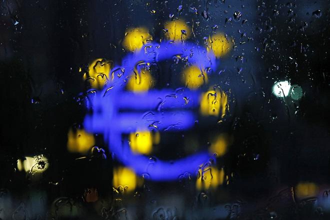 Guardian: Υπάρχει «τείχος προστασίας» σε πιθανή έξοδο της Ελλάδας από το Eυρώ