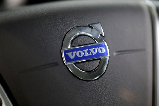 Το νέο Hazard Light Alert της Volvo στοχεύει σε μεγαλύτερη οδική ασφάλεια