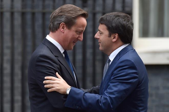 Ρέντσι: «Καταστροφή» η έξοδος της Βρετανίας από την ΕΕ