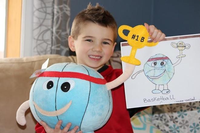 Μετατρέψτε τις παιδικές ζωγραφιές σε λούτρινα παιχνίδια!