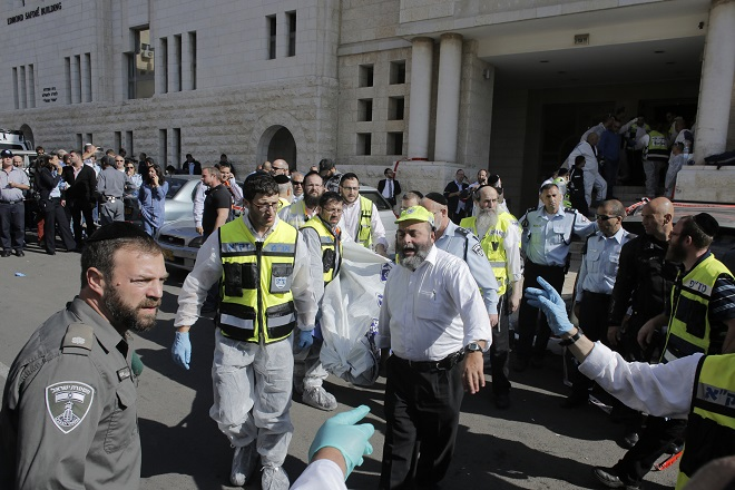 Τρόμος στην Ιερουσαλήμ από την βίαιη επίθεση σε εβραϊκή συναγωγή