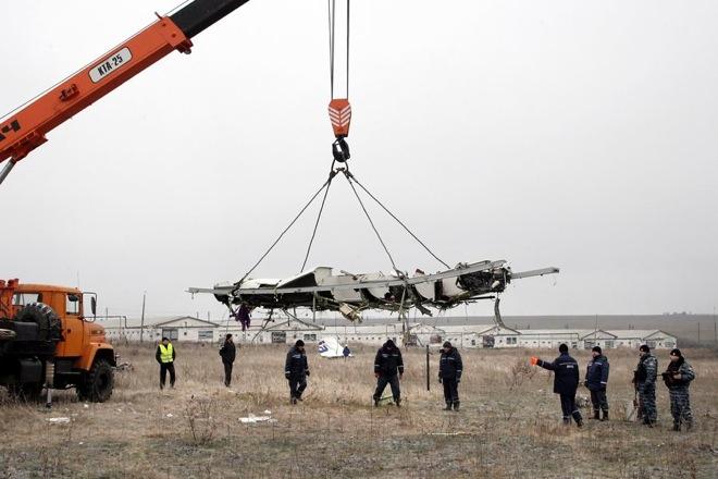 Συγκεντρώθηκαν στην Ουκρανία τα συντρίμμια του Boeing της Malaysian Airlines