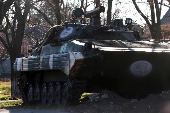 Η ΕΕ διευρύνει τις κυρώσεις κατά των φιλορώσων της Ουκρανίας