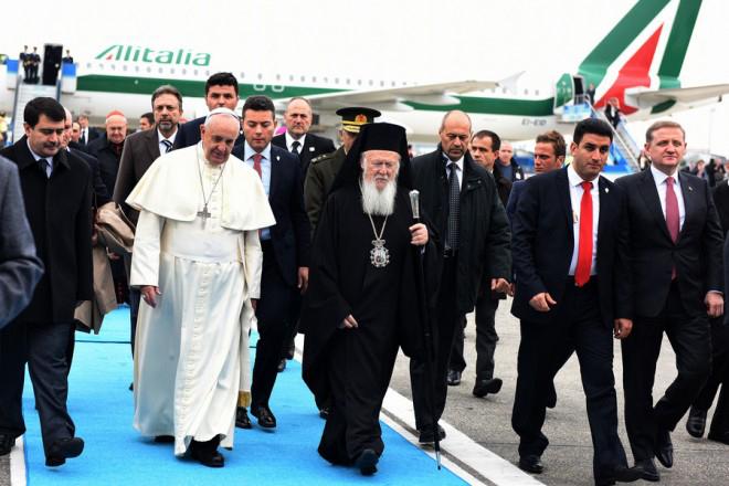 Ιστορική συνάντηση Πάπα Φραγκίσκου-Βαρθολομαίου στην Κων/πολη
