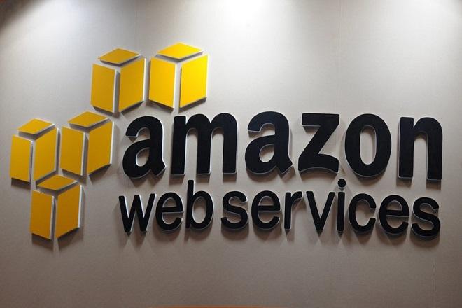 «Πόλεμος» δισεκατομμυρίων στα «σύννεφα» για την Amazon