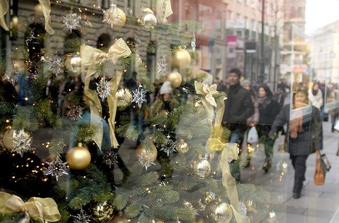 Οι αγοραστικές συνήθειες Ελλήνων και Ευρωπαίων καταναλωτών τις γιορτές