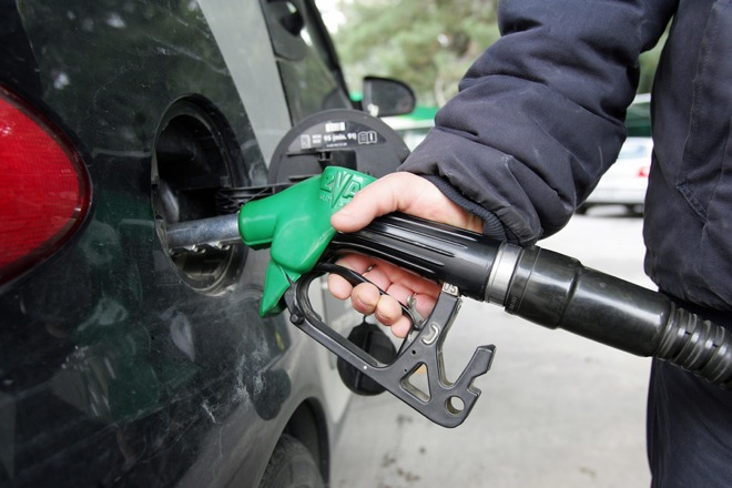 Μείωση της φορολογίας στα καύσιμα ζητά η ΠΟΠΕΚ