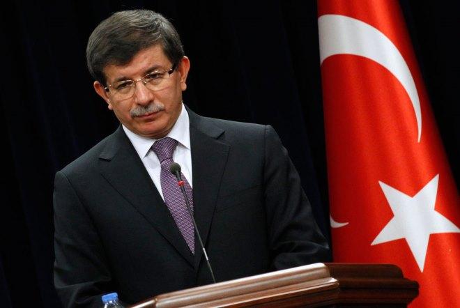 Τουρκία: Το AKP ετοιμάζεται να αποπέμψει τον Νταβούτογλου