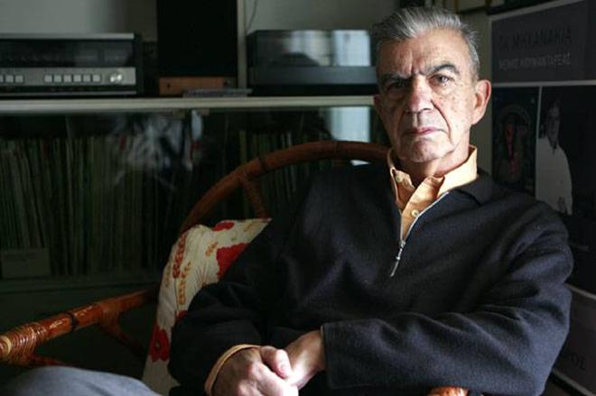 Νεκρός βρέθηκε ο συγγραφέας Μένης Κουμανταρέας