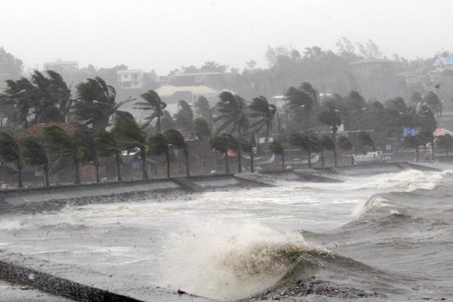 Ο τυφώνας Χαγκόπιτ «σάρωσε» τις Φιλιππίνες