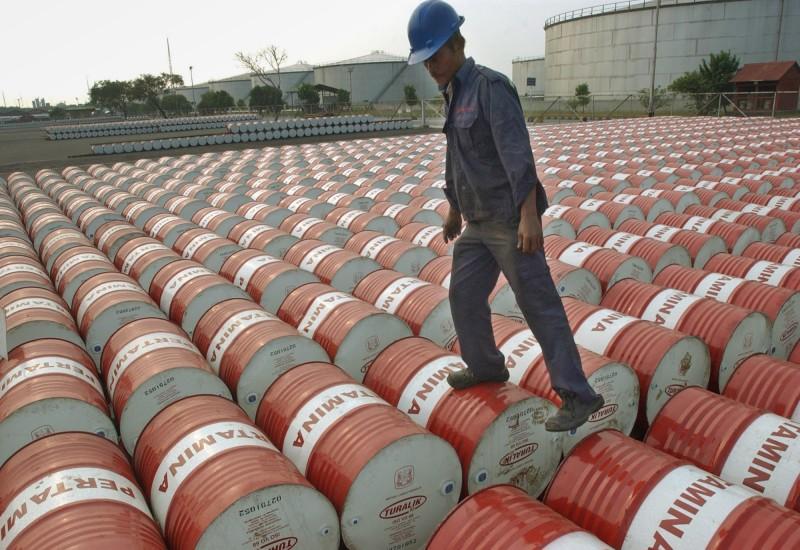 Οι παραγωγοί πετρελαίου τσακώνονται…