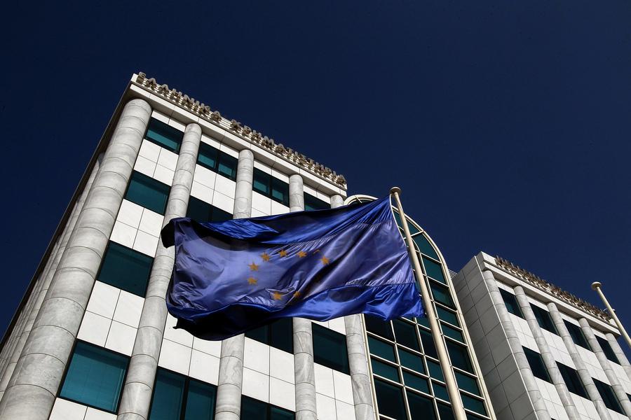 «Οι Έλληνες κάνουν ηλίθια πράγματα, πρόβλημα στο τέλος Μαρτίου»