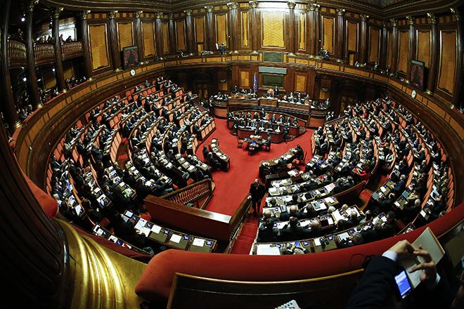 Οι Ιταλοί θα μπορούν πλέον να πυροβολούν πολύ πιο εύκολα όποιον εισβάλλει σπίτι τους