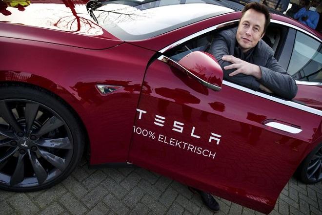 Η τεράστια χαμένη ευκαιρία της Google να αποκτήσει την Tesla Motors