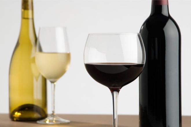 Δέκα ελληνικά κρασιά για το γιορτινό σας τραπέζι