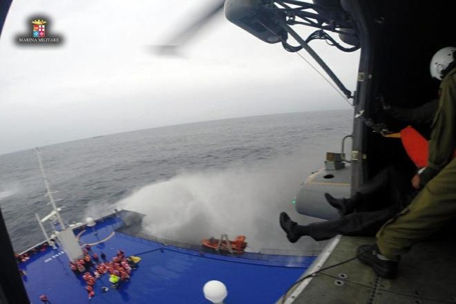 Φόβοι για περισσότερα θύματα στο Norman Atlantic – Αντιφατικές πληροφορίες