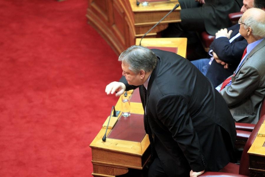 Βενιζέλος: «Η ώρα της αλήθειας έφτασε» – Έκκληση βουλευτών του ΠΑΣΟΚ στον Γ. Παπανδρέου