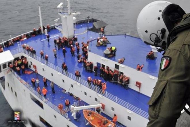 Θρίλερ με τις λίστες επιβατών του Norman Atlantic – 32 Έλληνες αγνοούμενοι