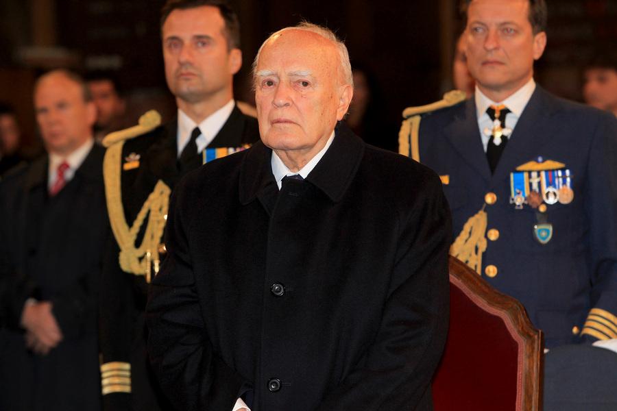 Ευχές από την πολιτική ηγεσία δέχθηκε ο πρόεδρος της Δημοκρατίας