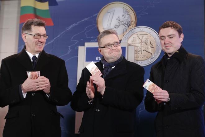 Στη ζώνη του ευρώ από σήμερα και η Λιθουανία