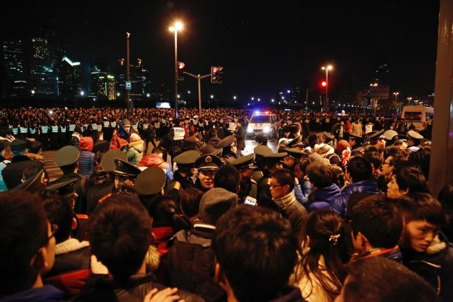 «Μαύρη» Πρωτοχρονιά στη Σανγκάη με τουλάχιστον 36 νεκρούς