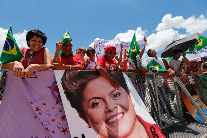 Με στόχο την ανάπτυξη ξεκινά τη δεύτερη θητεία της η Ντίλμα Ρουσέφ στη Βραζιλία