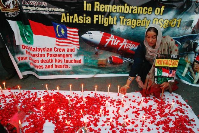 Δυσμενή καιρικά φαινόμενα η αιτία της συντριβής του αεροσκάφους της AirAsia