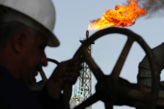 Πόσο χαμηλά μπορεί να φτάσει η τιμή του πετρελαίου το 2015;