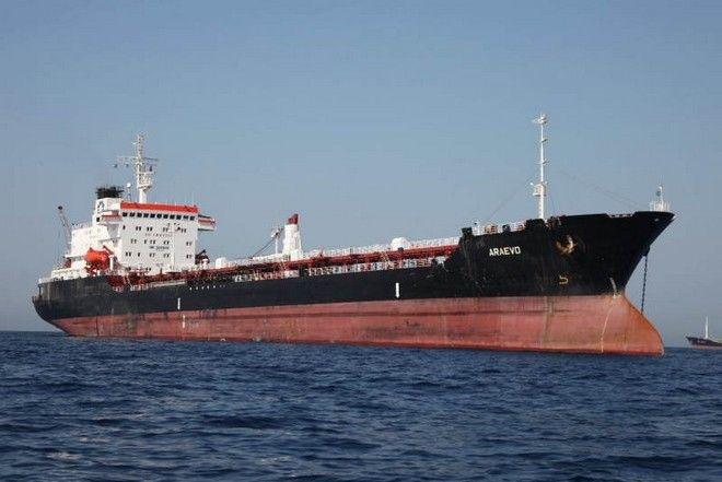 Eπιβεβαίωση του βομβαρδισμού του δεξαμενόπλοιου από τη Λιβύη – Καταδικάζει η Ελλάδα