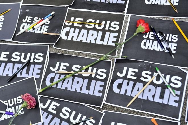 Το πρώτο tweet του Charlie Hebdo μετά την τρομοκρατική επίθεση του Ιανουαρίου 2015