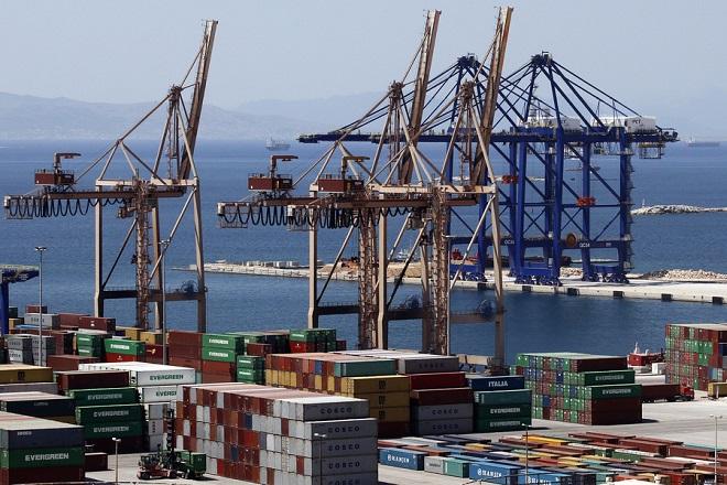 Στο λιμάνι του Πειραιά η νέα μεγάλη πλωτή δεξαμενή του ΟΛΠ «ΠΕΙΡΑΙΑΣ ΙΙΙ»