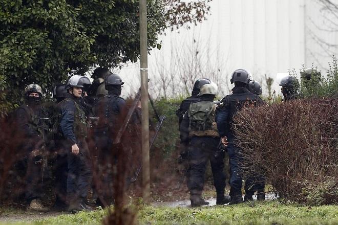 Αστυνομική επιχείριση για τη σύλληψη των δραστών της επίθεσης στη Charlie Hebdo