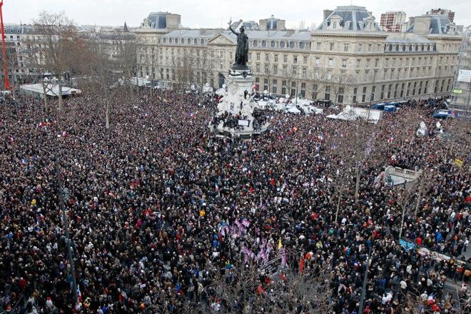 Live video: «Je Suis Charlie» για δεκάδες χιλιάδες πολίτες στο Παρίσι