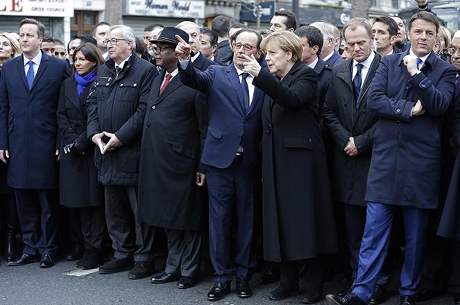 Η Μέρκελ συμμετέχει σε πορεία μουσουλμάνων κατά της τρομοκρατίας