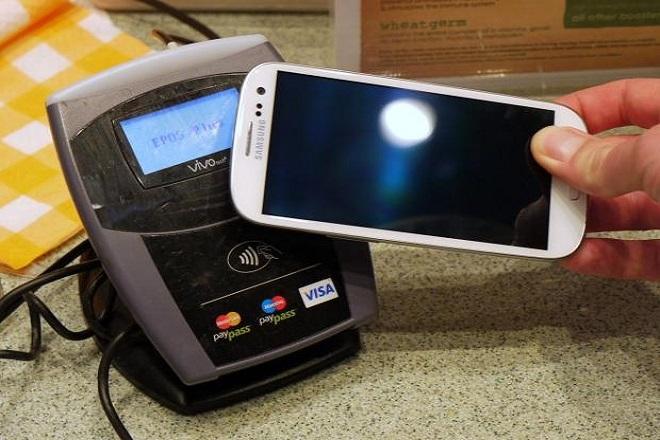 Το 2015 θα είναι η χρονιά των αγορών μέσω smartphones
