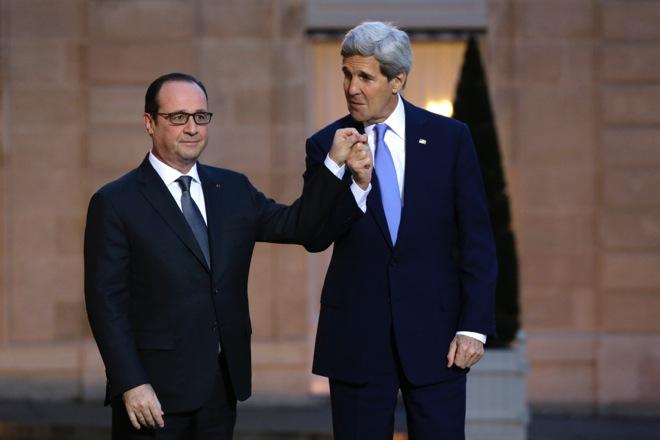 Οι ΗΠΑ βρίσκονται στο πλευρό της Γαλλίας, το μήνυμα του Τζον Κέρι στον Ολάντ