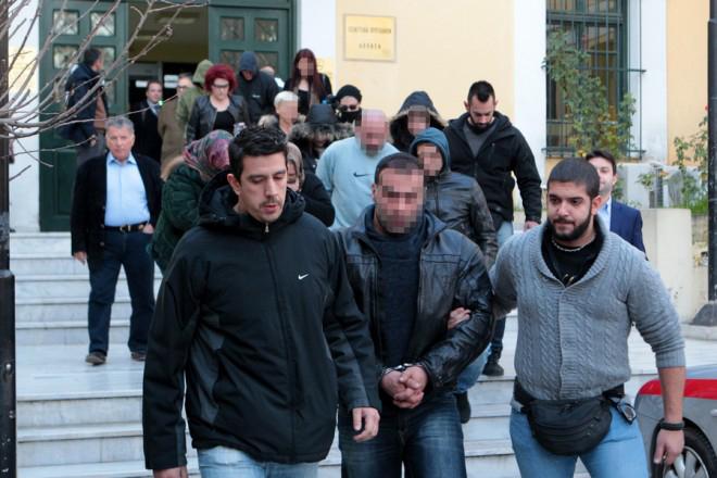 Εξαρθρώθηκε εγκληματική οργάνωση τρομοκρατών, ποινικών και πολιτικών προσώπων