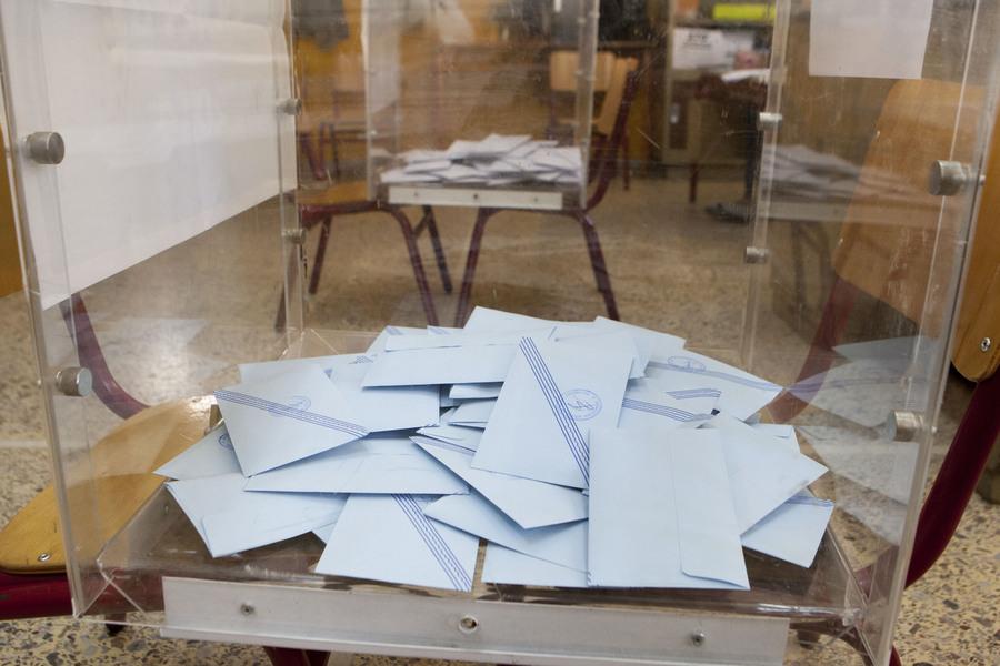 «Άρωμα» εκλογών μετά τα νέα σενάρια για αλλαγή του εκλογικού νόμου