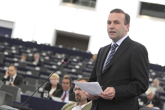 Η διαγραφή του ελληνικού χρέους διχάζει τους Ευρωπαίους