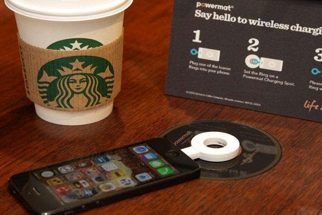 «Τέλος» οι πρίζες στα Starbucks